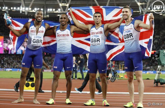 Les Britanniques, champions du monde du 4 x 100 mètres.