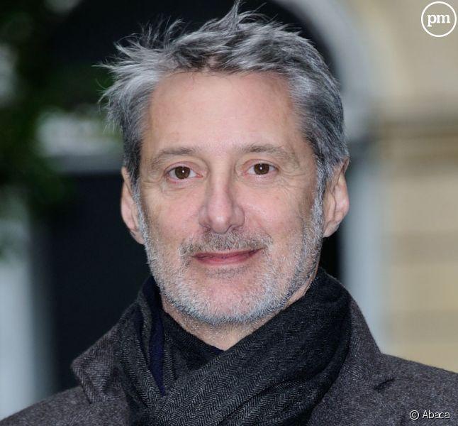Antoine de Caunes flingue
