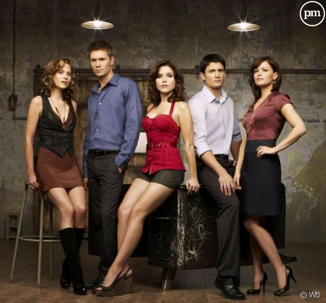 "Hilarie Burton, Chad Michael Murray, Sophia Bush, James Lafferty et Bethany Joy Lenz dans ""Les Frères Scott"""