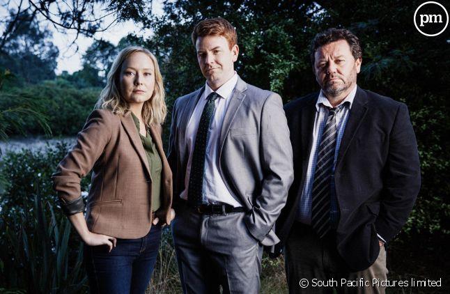 "Fern Sutherland (Kristin), Nic Sampson (Lieutenant Breen) et Neill Rea (Mike Shepperd) dans ""Brokenwood"""