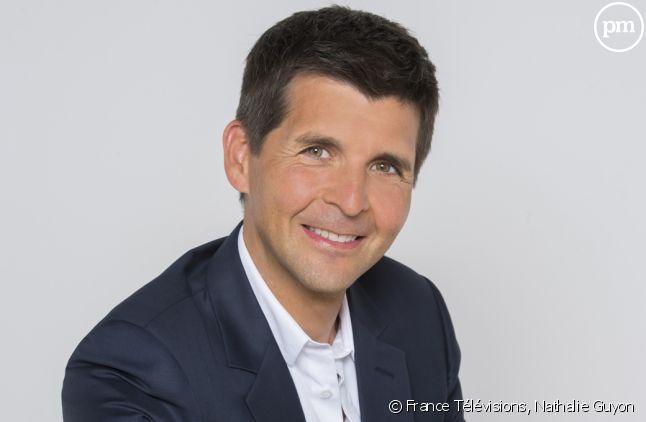 """Thomas Sotto présentateur de """"Complément d'enquête"""" sur France 2"""