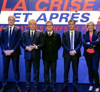 Les chefs des six principaux partis réunis sur le plateau...