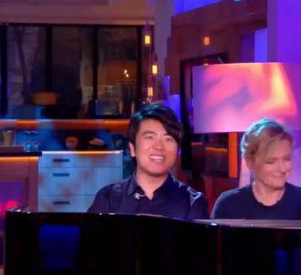 Quand Anne-Elisabeth Lemoine joue du piano avec Lang Lang.
