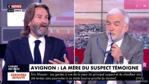 """""""On ne fait pas la justice à la télé !"""" : Echange tendu entre Frédéric Beigbeder et Pascal Praud sur CNews"""