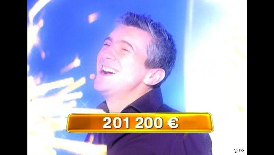 """Pascal a gagné 201.200 euros au jeu """"En toutes lettres"""", le 3 mai 2010"""