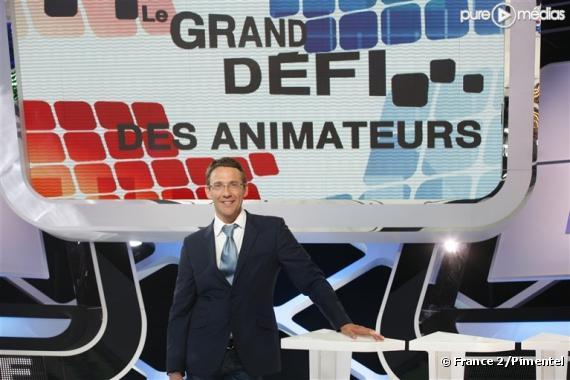 """Julien Courbet sur le plateau du """"Grand défi des animateurs"""""""