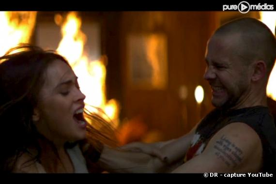 "Megan Fox et Dominic Monaghan dans le clip ""Love the Way You Lie"""