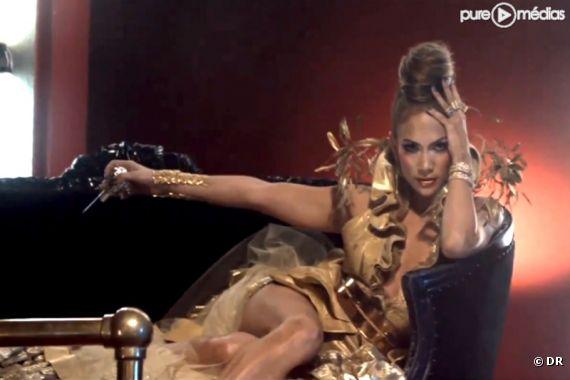 Jennifer Lopez dans le clip de On the Floor