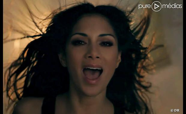 "Nicole Scherzinger dans le clip de ""Don't Hold Your Breath"""
