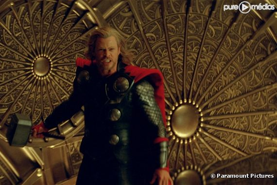 "Chris Hemsworth est ""Thor"""