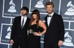 "Clip : Lady Antebellum rêve d'Europe dans ""Just a Kiss"""