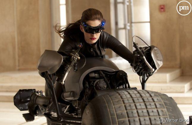 "Anne Hathaway est Catwoman dans ""The Dark Knight Rises"""
