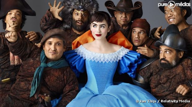 "Lily Collins dans ""Blanche Neige"""