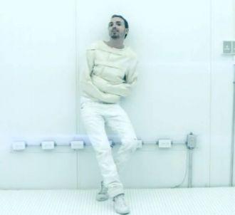 Christophe Willem dans le clip de 'Cool'