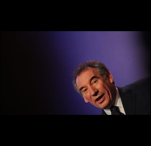 François Bayrou présente sa candidature pour 2012, le 7 décembre 2011 à Paris.