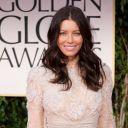 Jessica Biel sur le tapis rouge des Golden Globes 2012