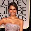 Jessica Alba sur le tapis rouge des Golden Globes 2012