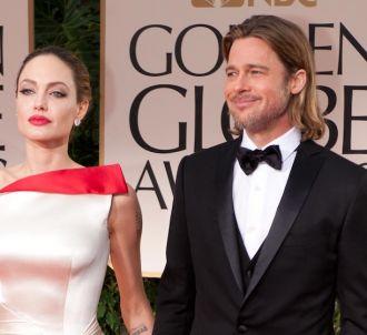 Angelina Jolie et Brad Pitt sur le tapis rouge des Golden...