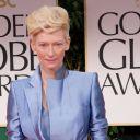 Tilda Swinton sur le tapis rouge des Golden Globes 2012