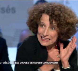 Un projecteur explose dans 'Mots croisés' sur France 2.