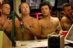 M. Pokora, Keen V et Kev Adams nus sur NRJ pour fêter le million de fans de Cauet
