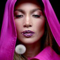 Clip : Jennifer Lopez fait la promo de son best-of et de