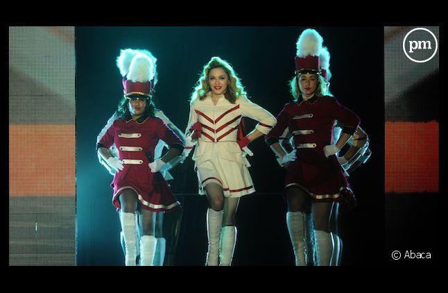 Des militants homosexuels russes demandent l'annulation du concert de Madonna pour s'opposer à une loi homophobe
