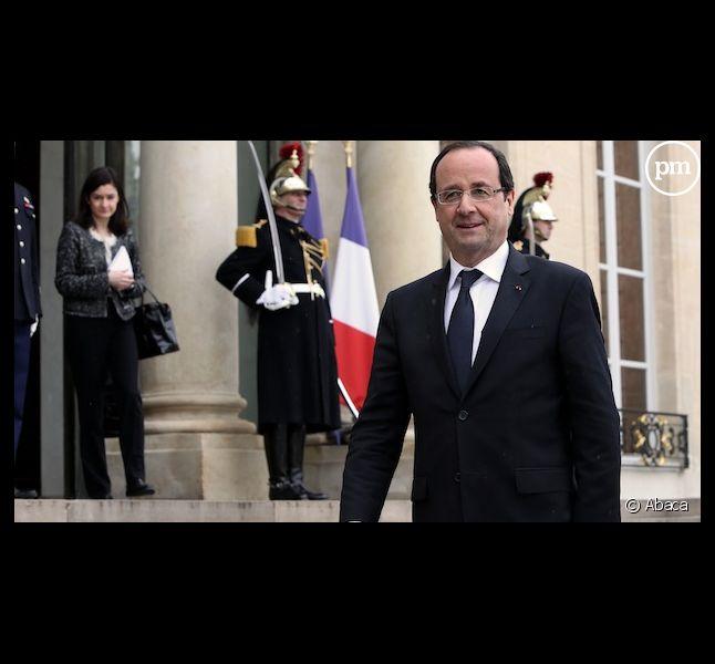 Selon un sondage, François Hollande serait moins bien traité par les médias que Nicolas Sarkozy