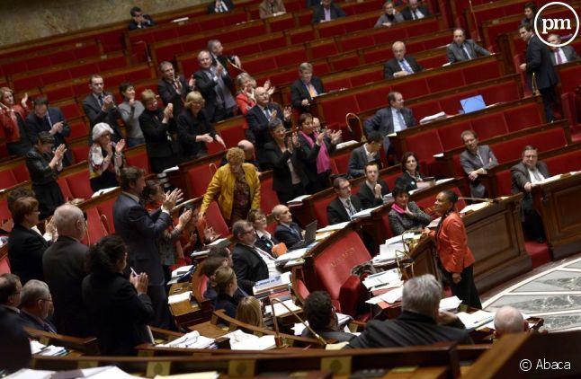Les députés ont adopté samedi 2 février le premier article du projet de loi sur le mariage pour tous.