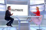 Jean-Luc Mélenchon s'énerve tout seul face à Caroline Roux sur France 5