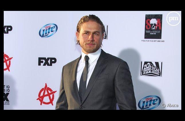"""Charlie Hunnam ne devait toucher que 125.000 dollars pour """"Cinquante nuances de Grey"""""""