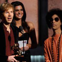Grammy Awards 2015 : Beck répond à Kanye West après son irruption sur scène