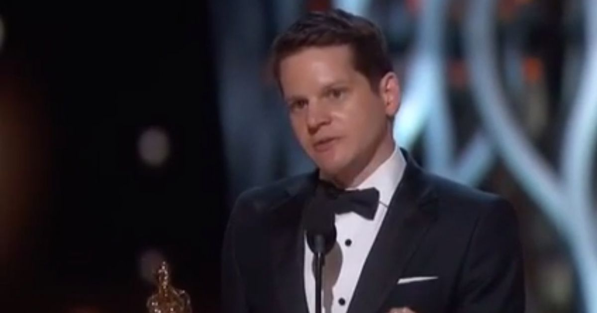 graham moore aux oscars 2015 a 16 ans j 39 ai tent de me suicider puremedias. Black Bedroom Furniture Sets. Home Design Ideas
