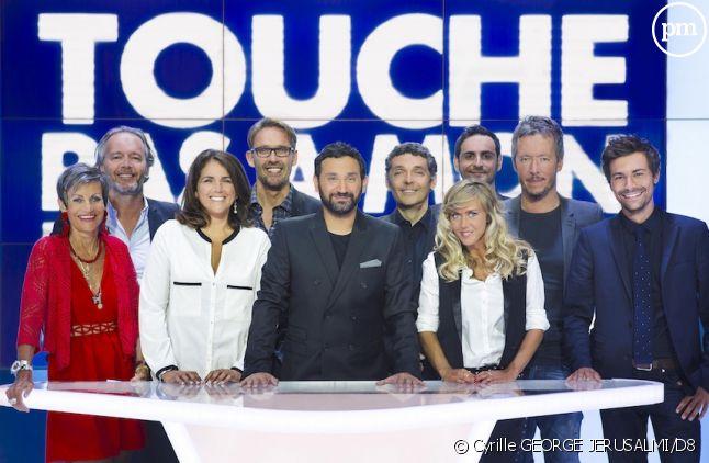 """Cyril Hanouna et l'équipe de """"Touche pas à mon poste""""."""