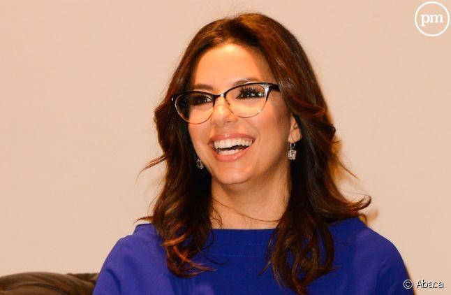 Eva Longoria (avec des lunettes) en 2014