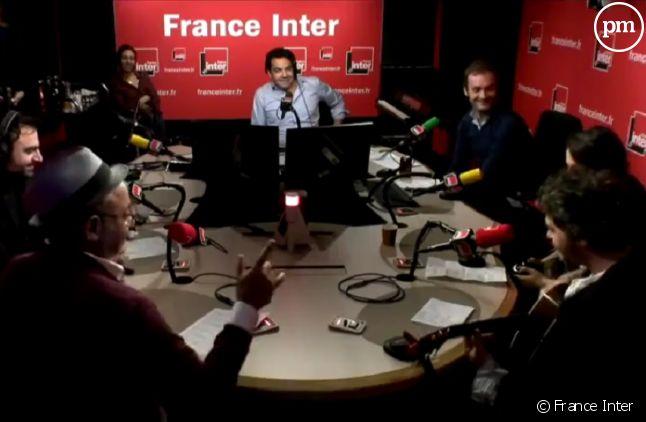 """La famille Chedid interprète """"Ainsi soient-ils"""" dans la matinale de France Inter."""