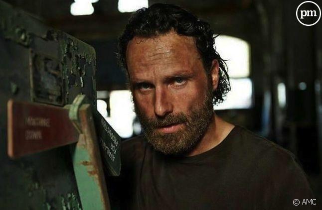 """Un fan de """"The Walking Dead"""" tue son ami qu'il croit devenir un zombie."""
