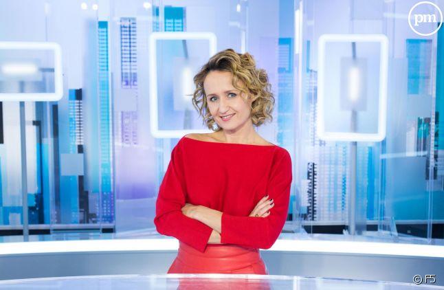 """Caroline Roux, nouvelle titulaire de """"C dans l'air""""."""
