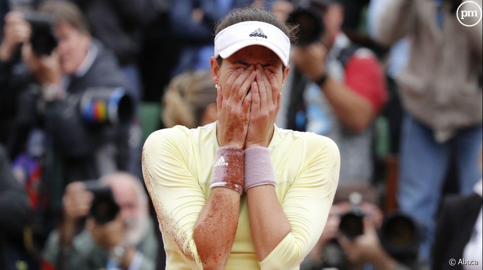 L'Espagnole Garbiñe Muguruza bat Serena Williams et remporte Roland-Garros