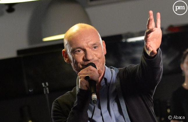 """Gaëtan Roussel aux commandes de l'émission """"Clap Hands"""" à la rentrée sur RTL 2."""