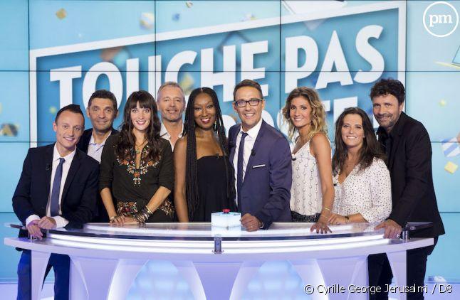 """<span>Julien Courbet et les chroniqueurs de """"Touche pas à mon poste""""</span>"""
