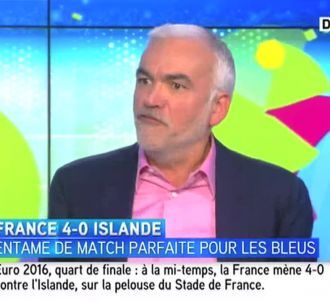 Pascal Praud, sur iTELE, à la mi-temps de France/Islande.