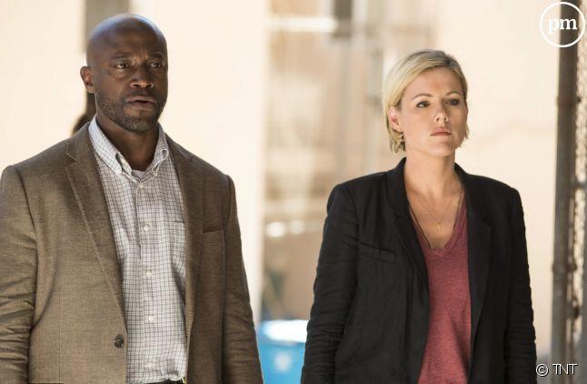 "Taye Diggs et Kathleen Robertson dans ""First Murder"""