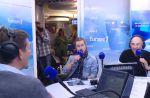 Julien Doré s'incruste dans la matinale de Thomas Sotto sur Europe 1