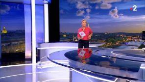 """Anne-Sophie Lapix danse """"La Carioca"""" au """"20 Heures"""" de France 2 !"""
