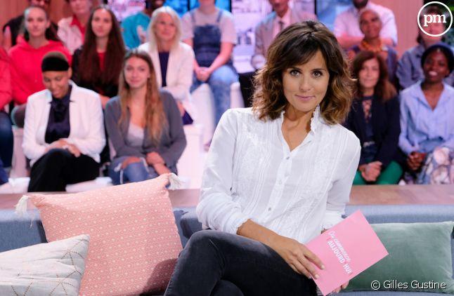 """Faustine Bollaert sur le plateau de """"Ca commence aujourd'hui"""""""