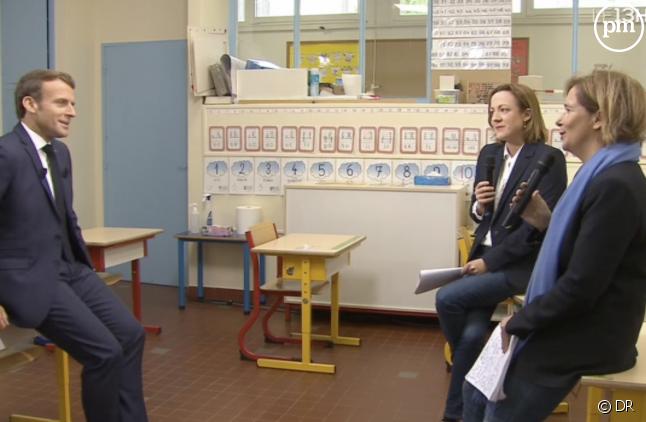 Emmanuel Macron interrogé par les journalistes de TF1 et de France 2