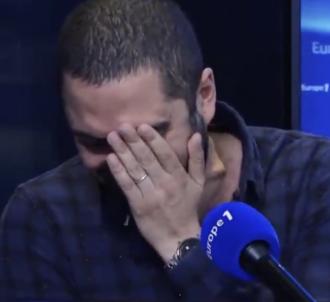 Jimmy Mohamed pris d'un fou rire sur Europe 1