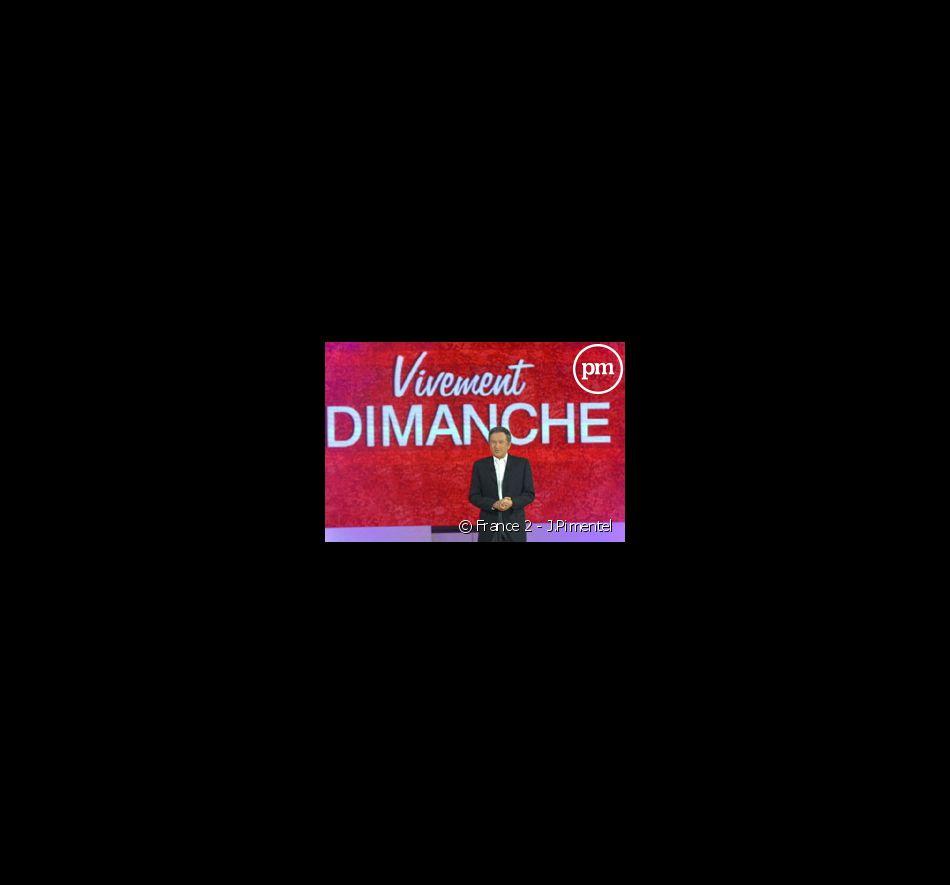"""Michel Drucker présente """"Vivement Dimanche"""""""
