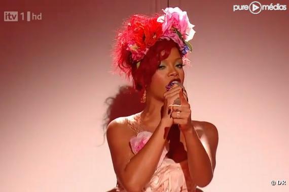 """Rihanna sur le plateau de """"The X Factor"""""""